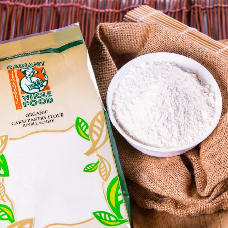 Radiant Organic Unbleached Cake / Pastry Flour (1000g)